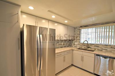 Palm Springs Condo/Townhouse For Sale: 2001 East Camino Parocela East #M95