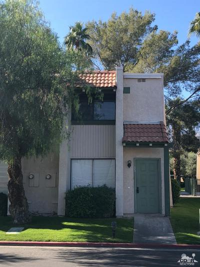 Cathedral City Condo/Townhouse For Sale: 85 Lakeview Circle