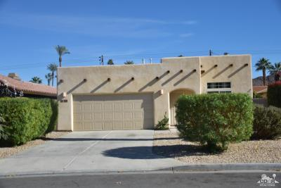 La Quinta Single Family Home For Sale: 51840 Avenida Mendoza