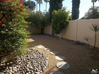 Palm Springs CA Condo/Townhouse For Sale: $185,900
