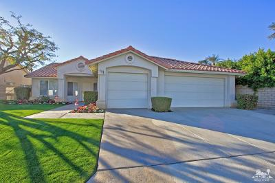 Palm Desert Single Family Home For Sale: 111 Courtside Drive