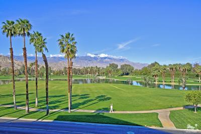 Rancho Mirage Condo/Townhouse For Sale: 910 Island Dr. Drive #310