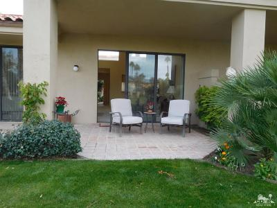 Palm Desert Condo/Townhouse For Sale: 76600 Begonia Lane