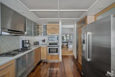 La Quinta Condo/Townhouse For Sale: 49970 Avenida Vista Bonita