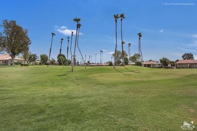 Rancho Mirage Condo/Townhouse For Sale: 147 Torremolinos Drive