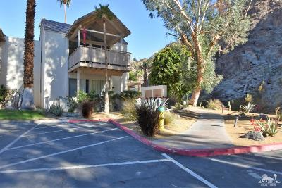 Indian Wells Condo/Townhouse Contingent: 78250 Cortez Lane #136