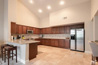 La Quinta Condo/Townhouse For Sale: 55825 Congressional