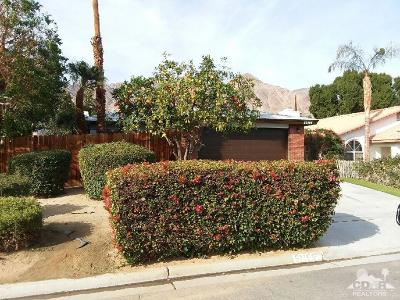La Quinta Single Family Home Contingent: 51165 Avenida Ramirez