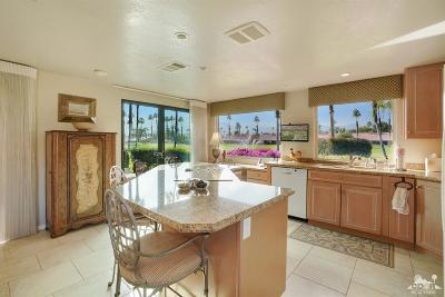 Palm Desert Condo/Townhouse For Sale: 19 Maximo Way