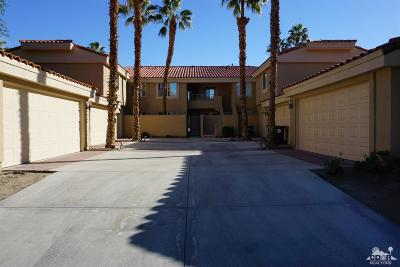 La Quinta Condo/Townhouse For Sale: 55378 Laurel Valley