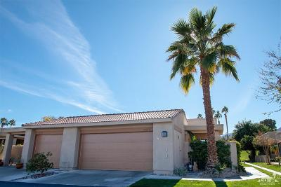Palm Desert Condo/Townhouse For Sale: 72315 Sommerset Drive