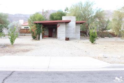 La Quinta Single Family Home Contingent: 54710 Avenida Velasco