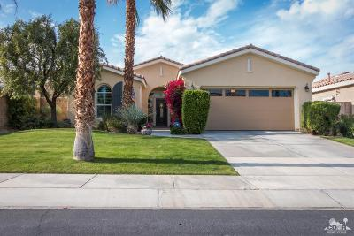 La Quinta Single Family Home Contingent: 60505 Staghorn Drive