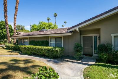 The Lakes Country Cl Condo/Townhouse Contingent: 371 Bouquet Canyon Drive