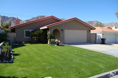 La Quinta Single Family Home Contingent: 54125 Avenida Vallejo