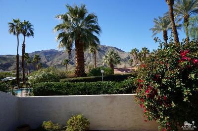 Palm Desert Condo/Townhouse For Sale: 72720 Carob Court
