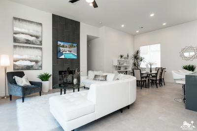 La Quinta Single Family Home Contingent: 51855 Avenida Juarez