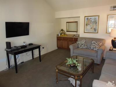 Palm Desert Single Family Home For Sale: 43763 Avenida Alacante