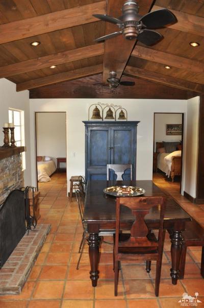 Single Family Home Contingent: 52333 Avenida Bermudas