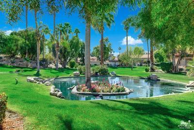 Palm Desert Condo/Townhouse For Sale: 611 Woodcrest Lane East