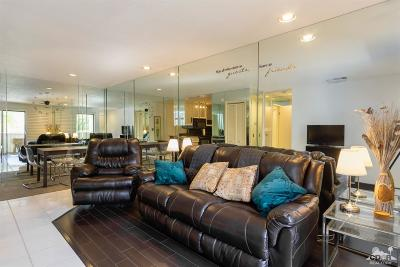 Palm Springs Condo/Townhouse For Sale: 2801 E Los Felices Circle #D211