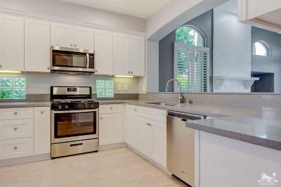 La Quinta Condo/Townhouse For Sale: 48415 Casita Drive