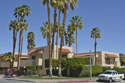 Palm Springs Condo/Townhouse For Sale: 484 W Baristo Road