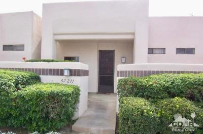 Cathedral City Condo/Townhouse For Sale: 67211 N Chimayo Drive