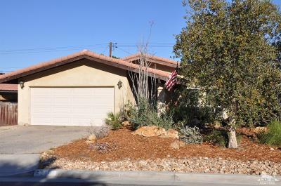 La Quinta Single Family Home Contingent: 52198 Avenida Diaz