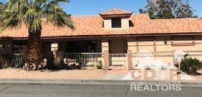La Quinta Single Family Home For Sale: 53995 Avenida Mendoza