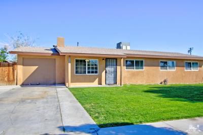 Indio Single Family Home Contingent: 82674 Smoke Tree Avenue