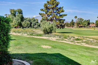 Palm Desert Condo/Townhouse For Sale: 40131 Baltusrol Circle