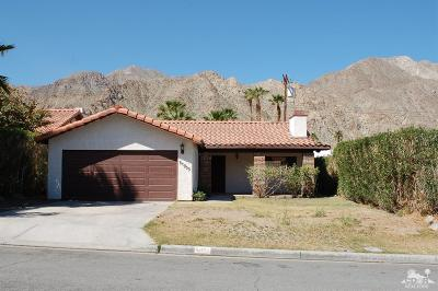 La Quinta Single Family Home Contingent: 54055 Avenida Rubio