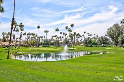 Palm Desert Condo/Townhouse For Sale: 227 La Paz Way
