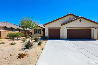 Indio Single Family Home For Sale: 43750 Pettirosso Street