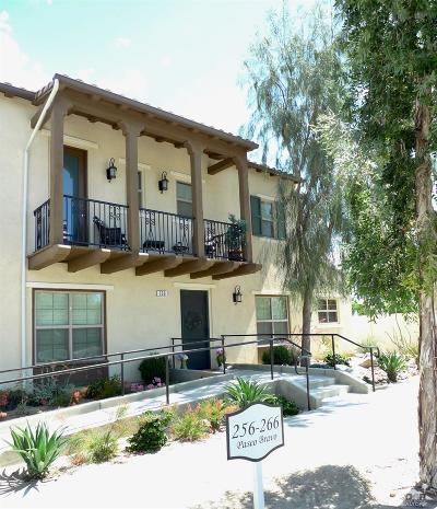 Palm Desert Condo/Townhouse For Sale: 258 Paseo Bravo