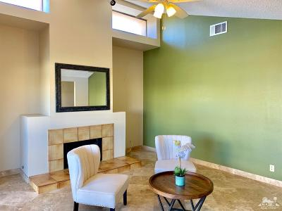 Palm Springs CA Condo/Townhouse For Sale: $214,000