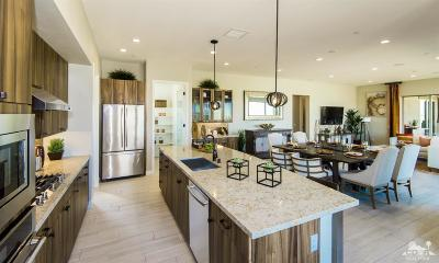 Palm Desert Condo/Townhouse For Sale: 2804 Retreat Circle