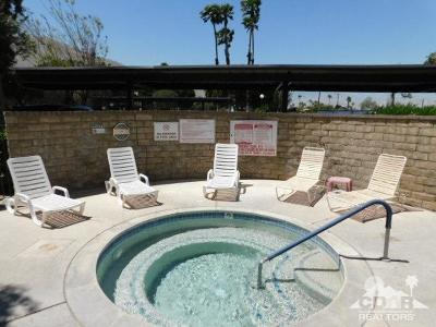 Palm Springs Condo/Townhouse For Sale: 2820 N Arcadia Court #102