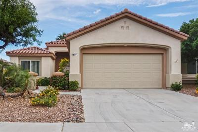 Palm Desert Single Family Home Contingent: 78177 Vinewood Drive