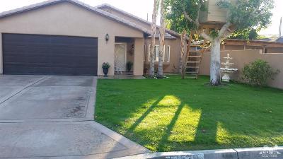 La Quinta Single Family Home Contingent: 51530 Avenida Herrera