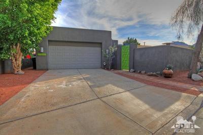 La Quinta Single Family Home For Sale: 52070 Avenida Montezuma
