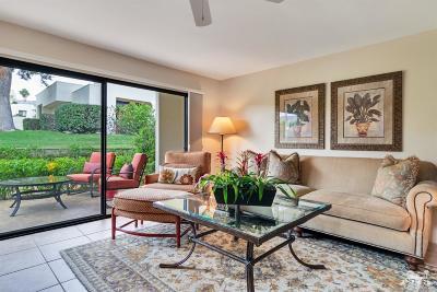 Palm Desert Condo/Townhouse For Sale: 48710 Desert Flower Drive