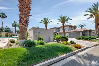 La Quinta Condo/Townhouse For Sale: 55179 Laurel Valley