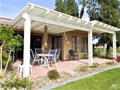 Palm Desert Condo/Townhouse Contingent: 40525 Bay Hill Way #18-10