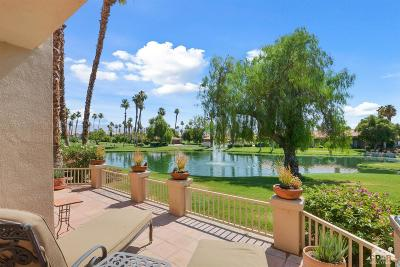 Palm Desert Condo/Townhouse For Sale: 38290 Plumosa Circle