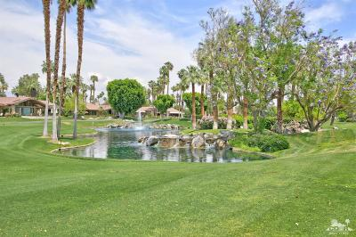Palm Desert Condo/Townhouse For Sale: 232 Running Springs Drive