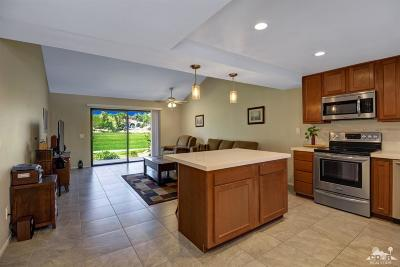 Palm Desert Condo/Townhouse For Sale: 40921 La Costa Circle West