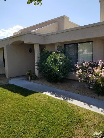 Cathedral City Condo/Townhouse For Sale: 68645 Calle Mancha #76