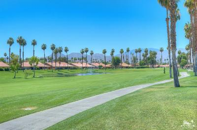 Palm Desert Condo/Townhouse Sold: 211 Camino Arroyo North